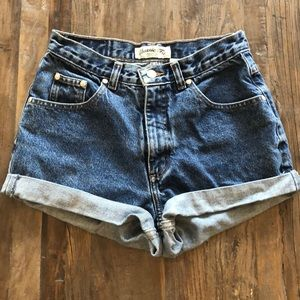 Vintage cut-off high waisted jean shorts